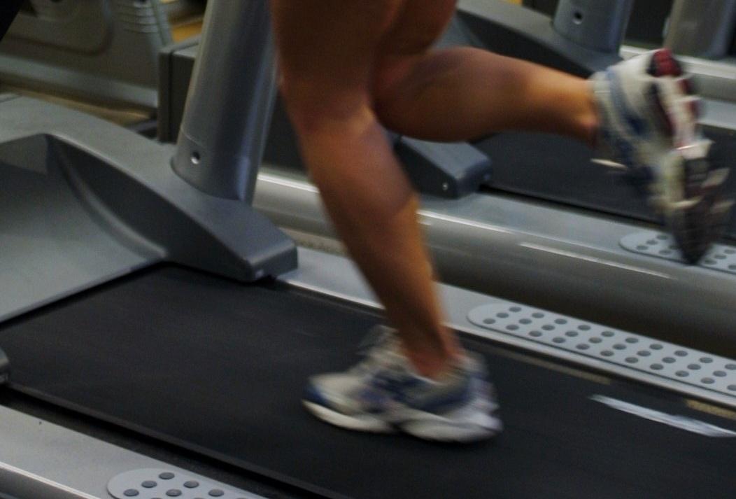 girl-on-treadmill
