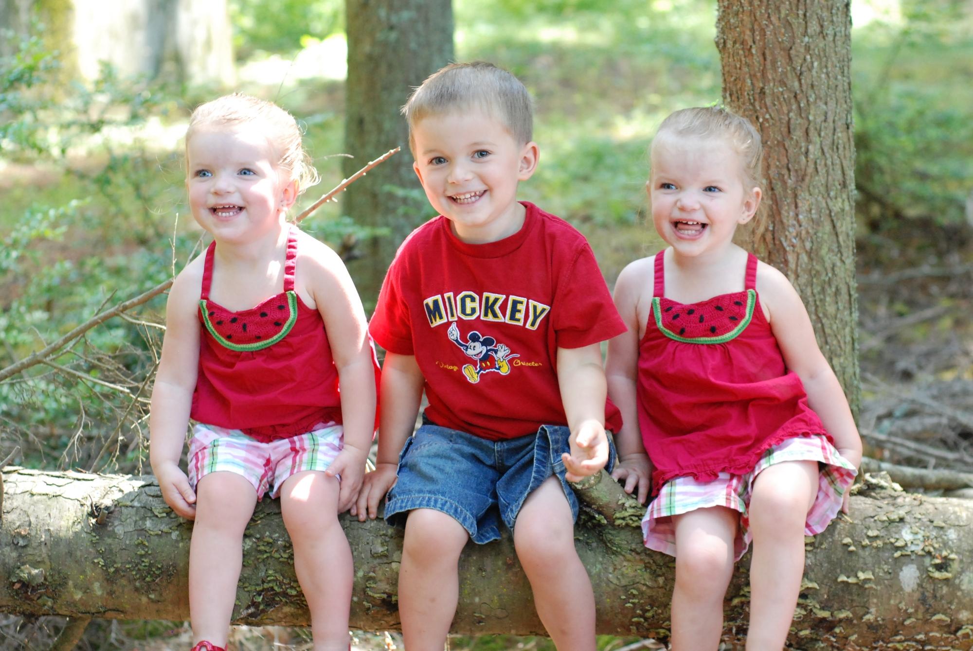 Baylie, Zander & Carlie 7.16.09