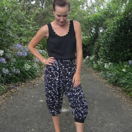 EYMM Freestyle Harem Pants & Carpi's for Women XS-5X #diy #sewing #fashion #eymm