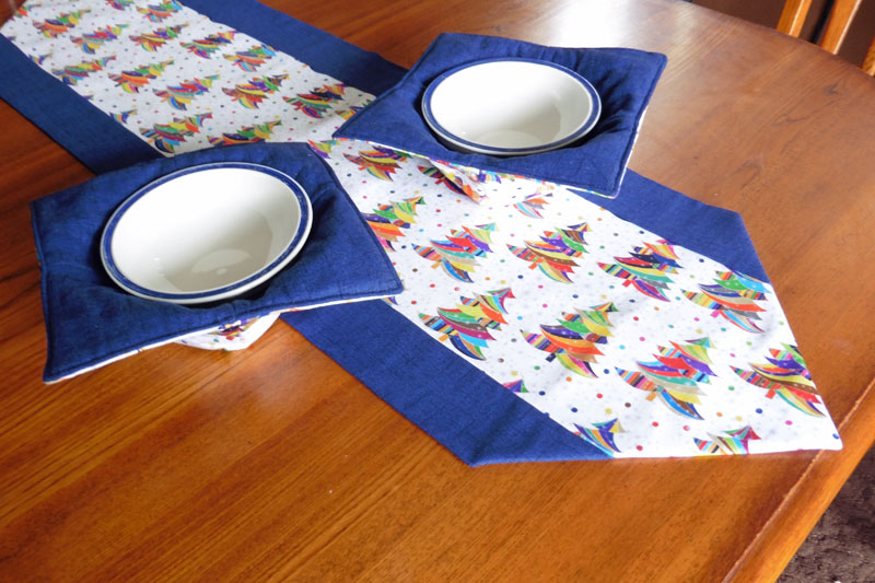 Table runner free tutorial and matching eymm bowl cozies for 10 minute table runner with batting